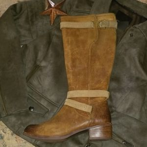UGG Darcie Distressed Riding Leather Boots 7.5 EUC